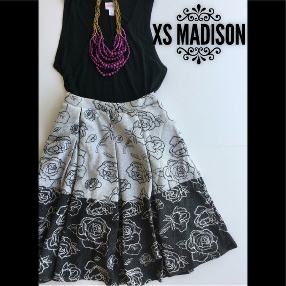 LuLaRoe Dresses & Skirts - LuLaRoe Madison skirt, XS